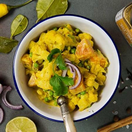 Curry bloemkool met gedroogde abrikozen online diëtist