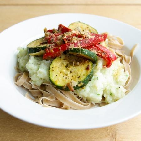 haverpasta met bloemkoolsaus en gegrilde groenten online diëtist