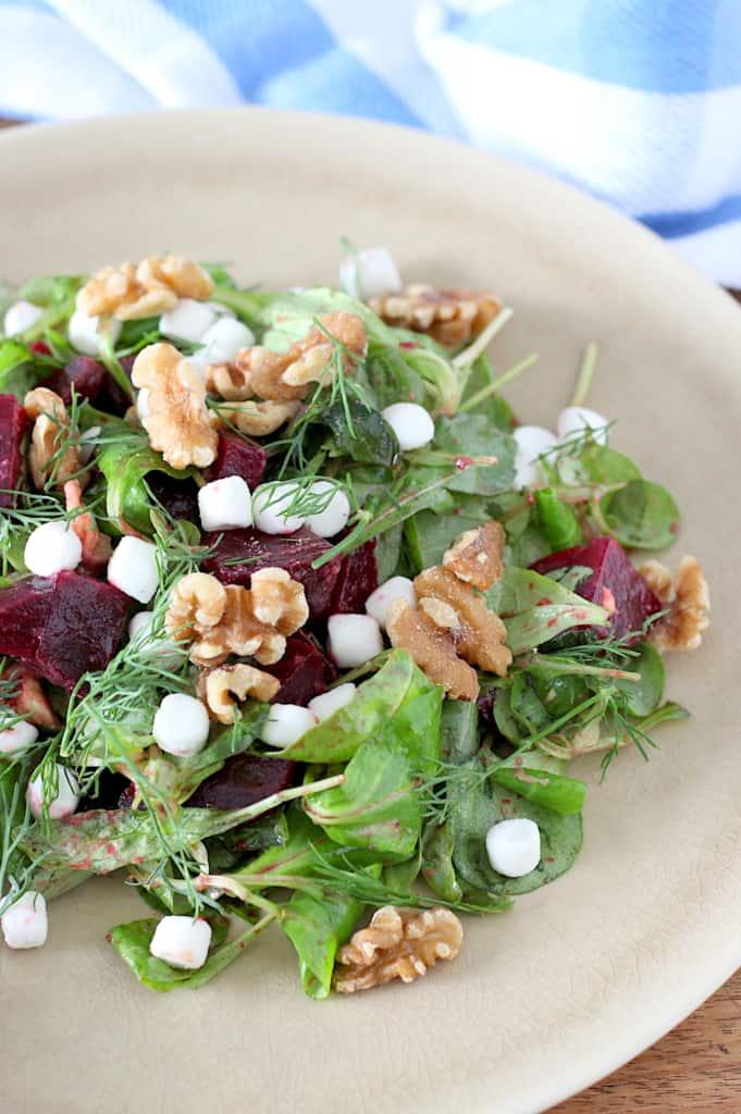 Salade met geitenkaas biet en avocado online diëtist