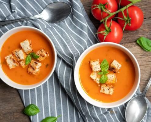 tomatensoep met basilicum